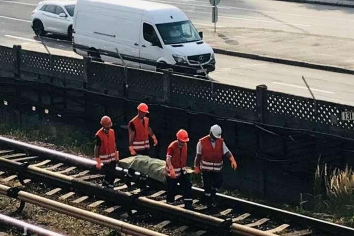 У Києві під потягом метро загинула людина