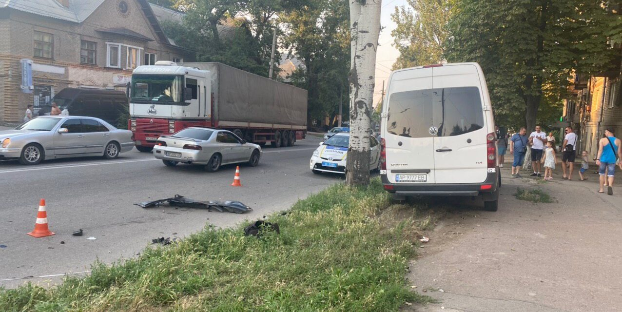 13 травмованих: запорізькі медики розповіли про стан постраждалих у ДТП з маршруткою