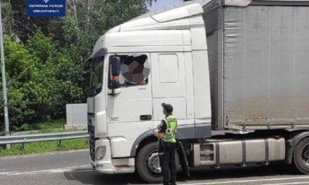 Сьогодні до Києва не впускають фури