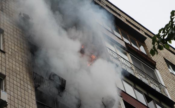 ДСНС Запоріжжя залучали 3 одиниці техніки та 10 рятувальників, щоб загасити пожежу в багатоповерхівці