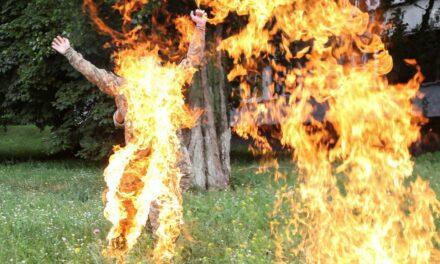 На Запоріжжі жінка облила себе бензином й підпалила