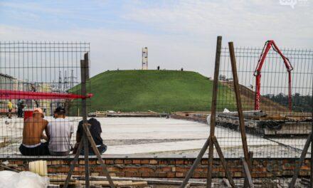 У Запоріжжі на о. Хортиця встановили флагшток з державним прапором – фото