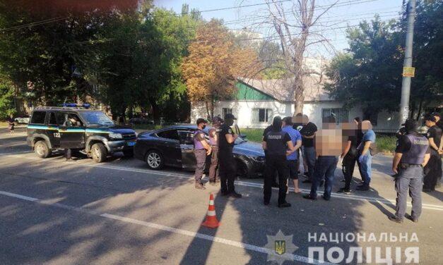 У Запоріжжі троє осіб потрапили до лікарні після стрілянини