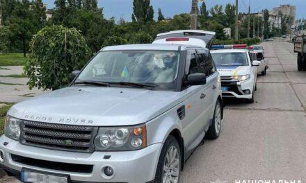 На Запоріжжі у водія, якого вже затримували за наркотики, знайшли пакети з невідомою речовиною