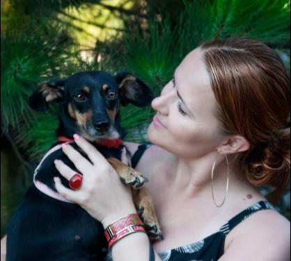 «Дзвонили та просили забрати собак»: запорізька зооволонтерка висловилась з приводу смерті жінки