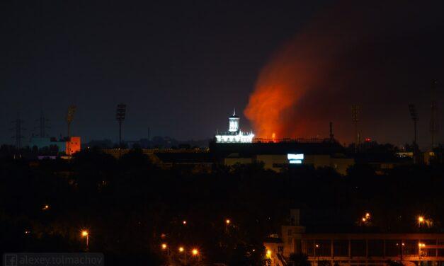 На місце масштабної пожежі у Запоріжжі прибув голова області – фото, відео