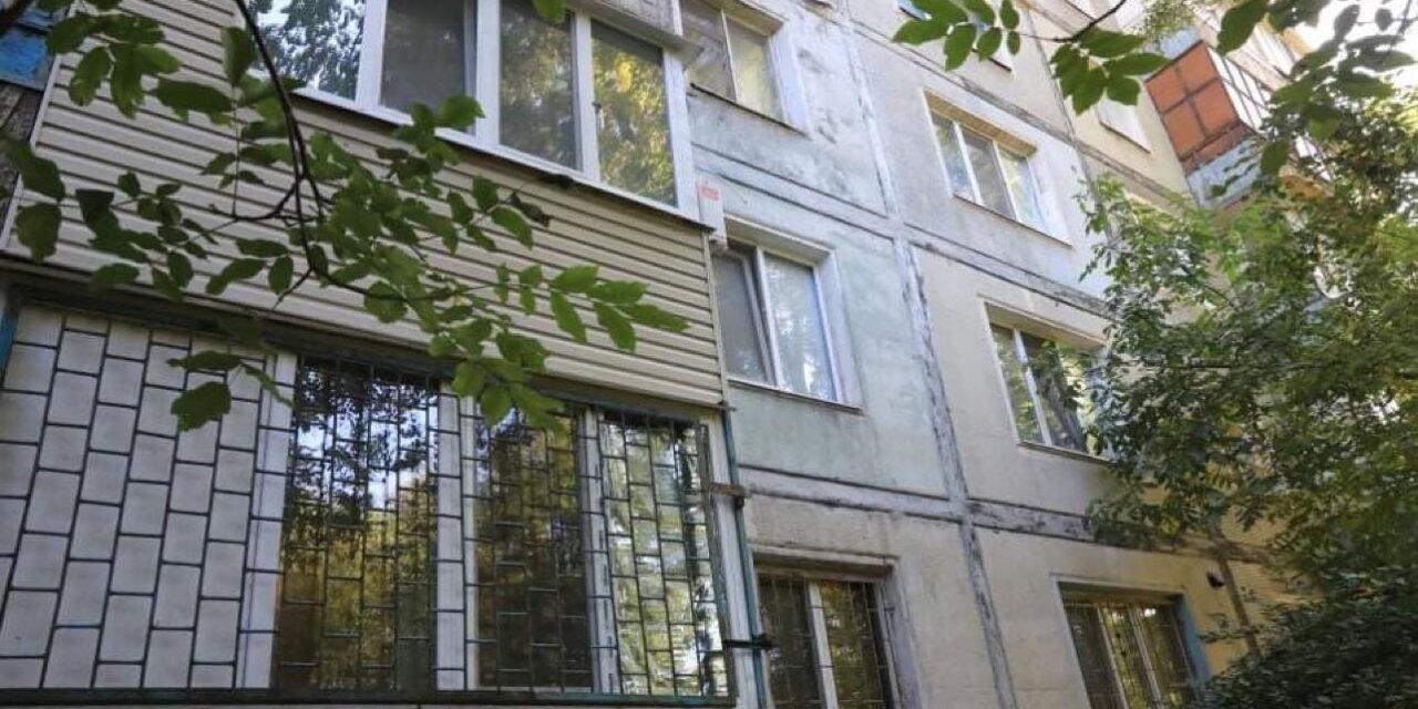 Запоріжцям показали, як виглядає квартира в яку переселили родину з аварійного будинку