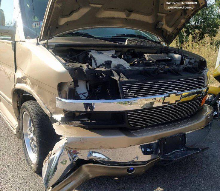 У Запоріжжі водій і водійка порушили ПДР, урезультатічоговідбулась ДТП – фото