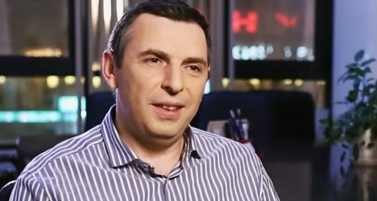 На Київщині обстріляли авто помічника президента України, є постраждалий – фото