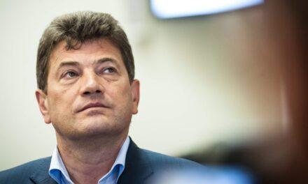 Депутати проголосували за добровільну відставку міського голови Запоріжжя