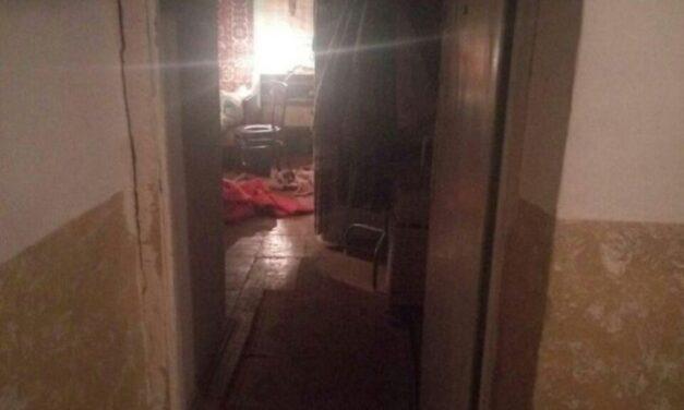 У Запоріжжі паралізована жінка близько тижня пролежала у квартирі, де знаходився труп чоловіка