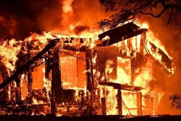 У Запоріжжі на території приватного домоволодіння горіла лазня