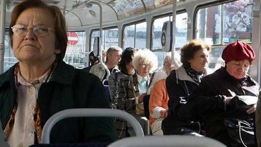 В годину пік пасажири пільгової категорії безплатно не зможуть їздити в міському транспорті Запоріжжя